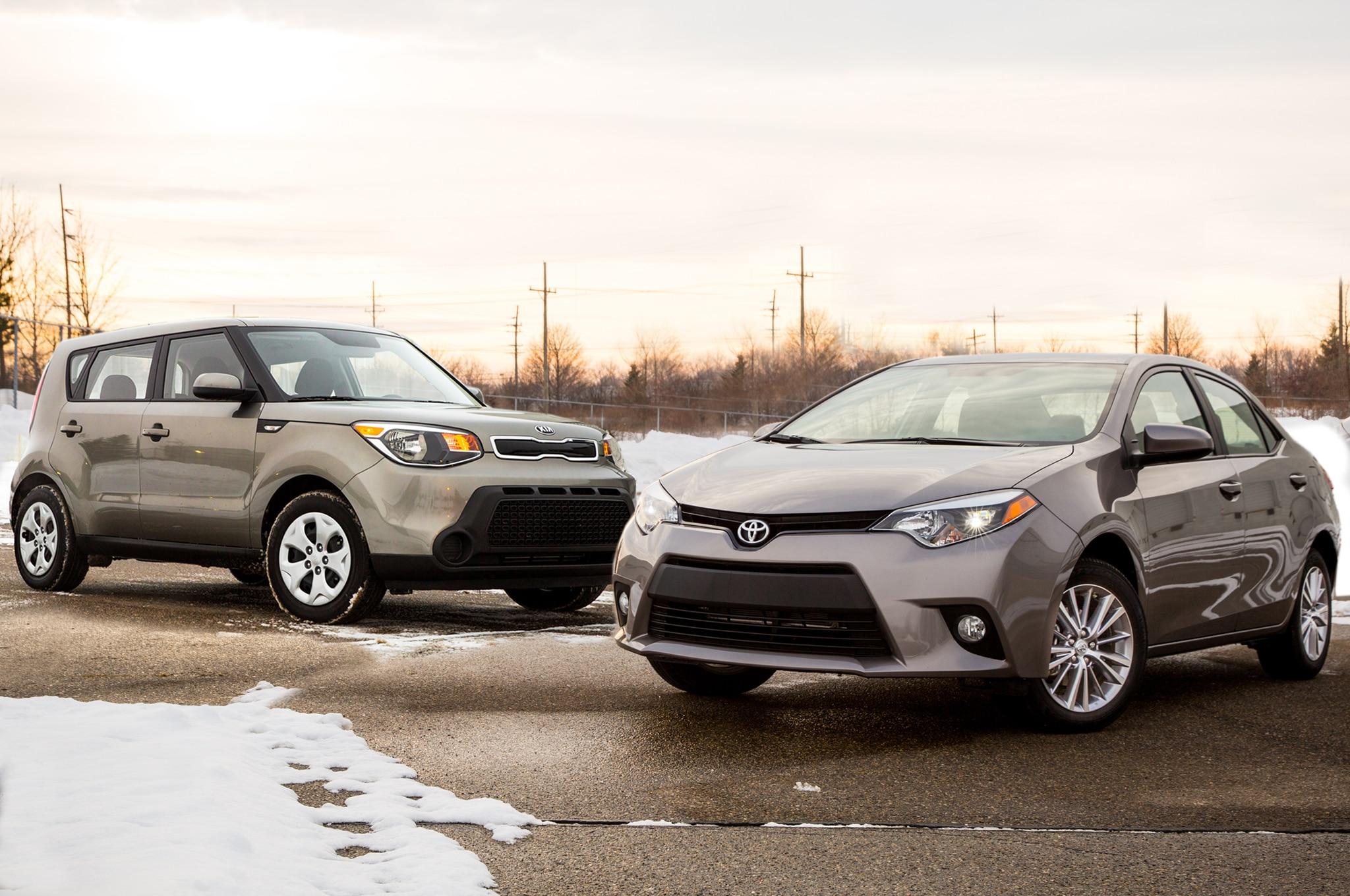 2014 Toyota Corolla 2014 Kia Soul Front Three Quarters Lead
