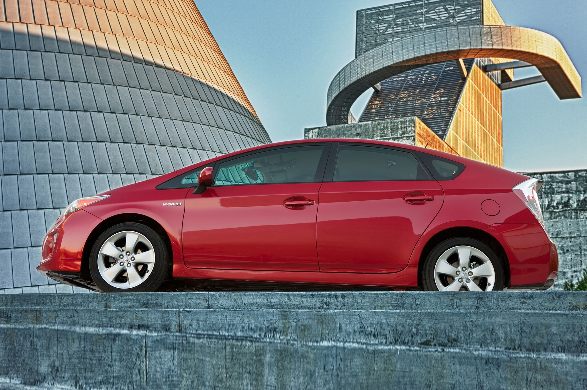2014 Toyota Prius Side View1