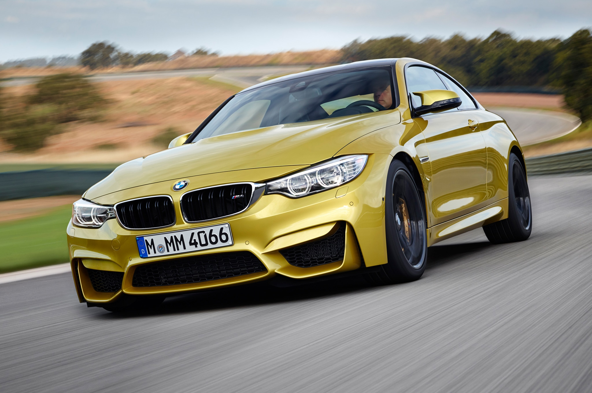 2015 BMW M4 In Motion1