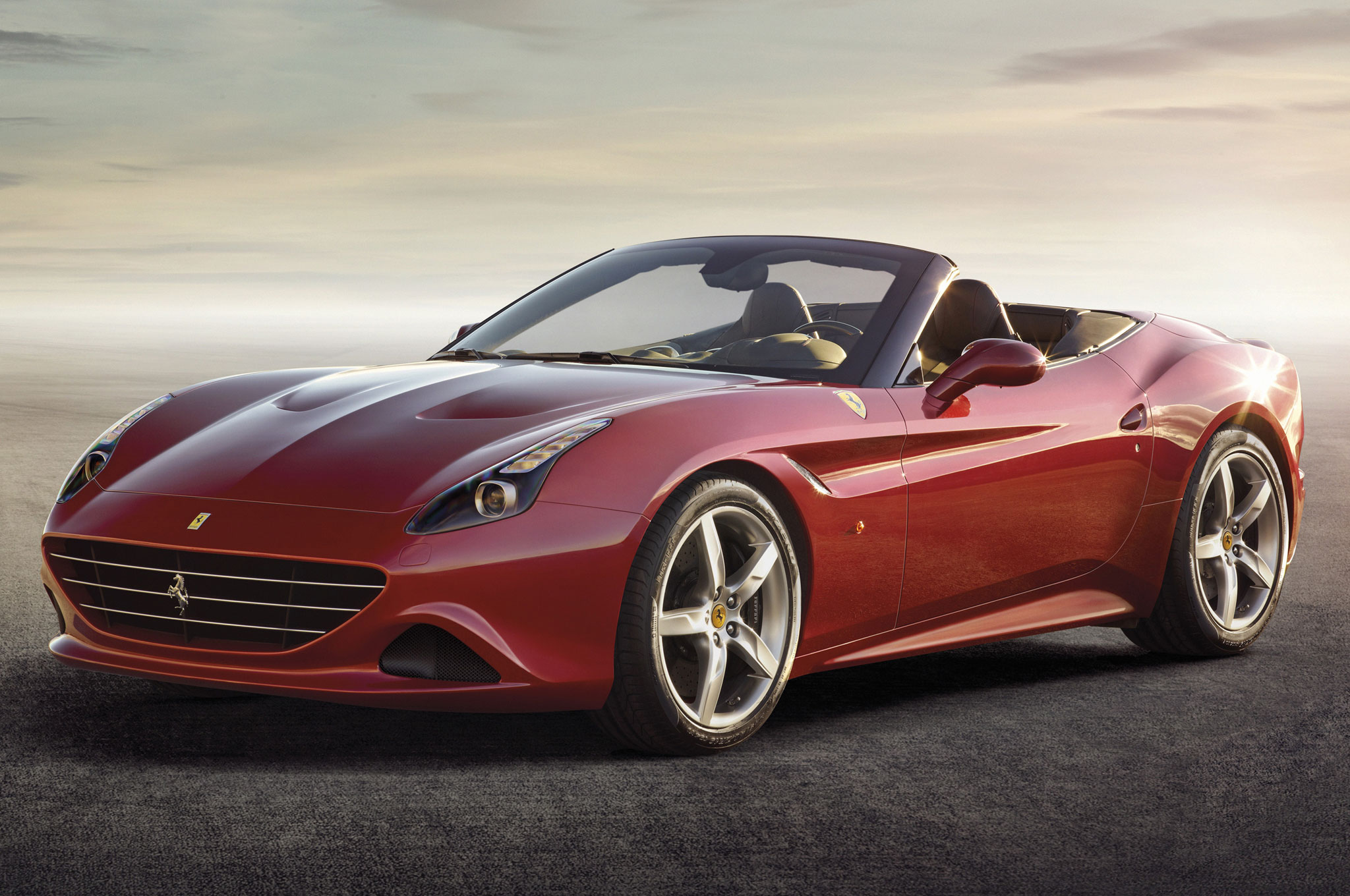 2015 Ferrari California T Front Three Quarters View