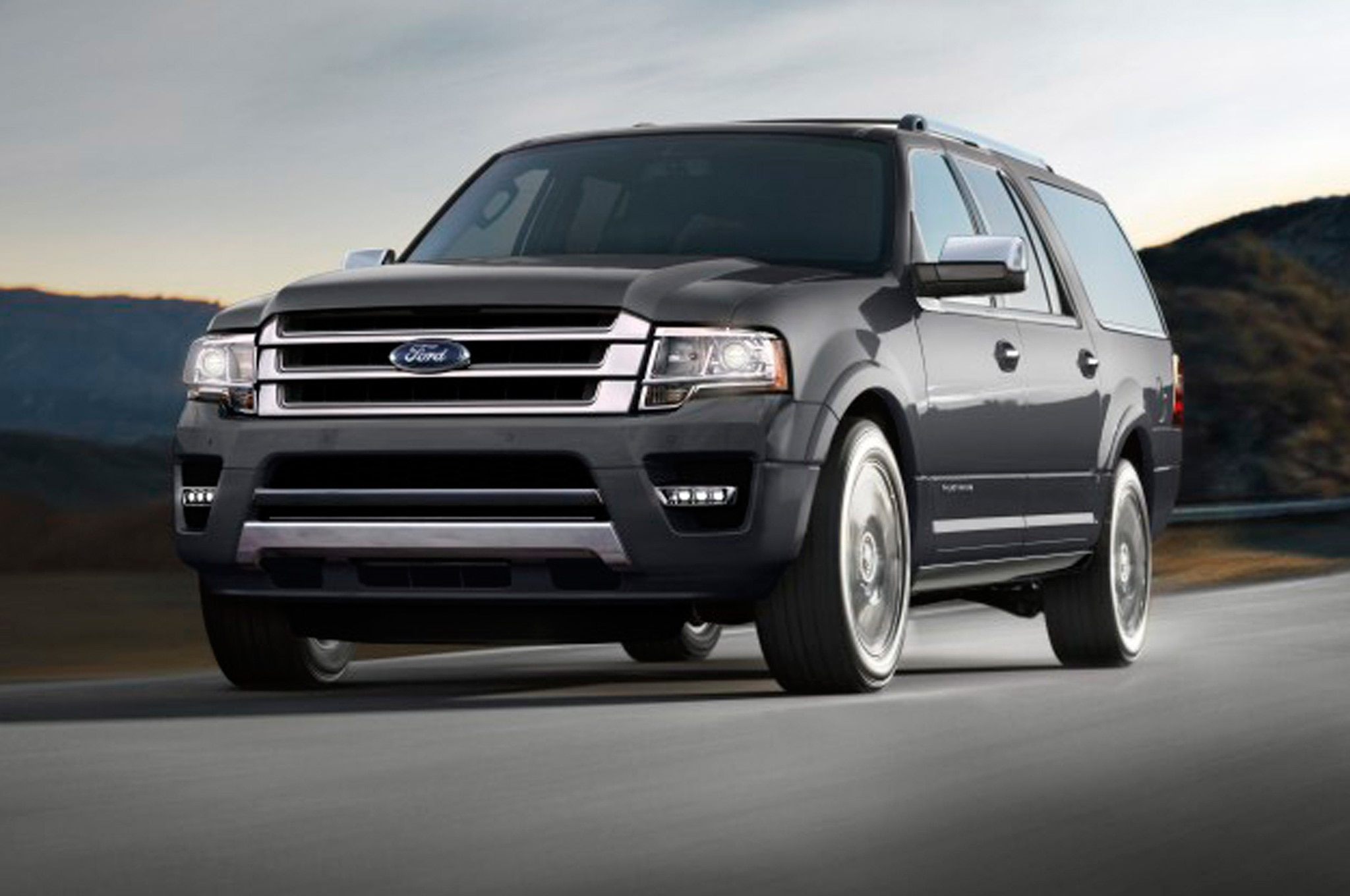 2015 Ford Expedition Front Side Motion View1