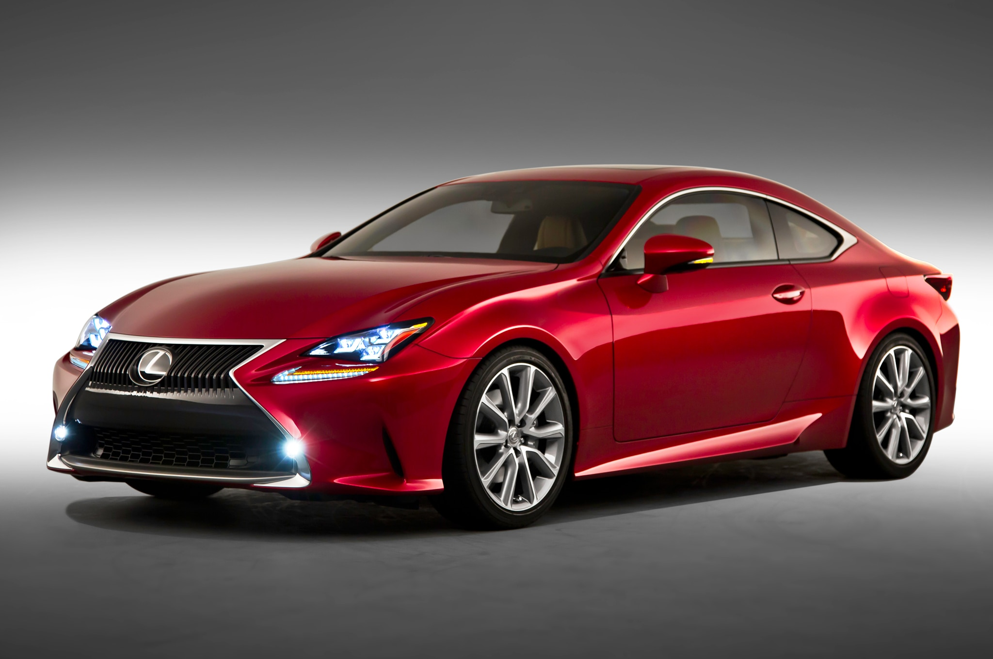 2015 Lexus RC Front Three Quarters1