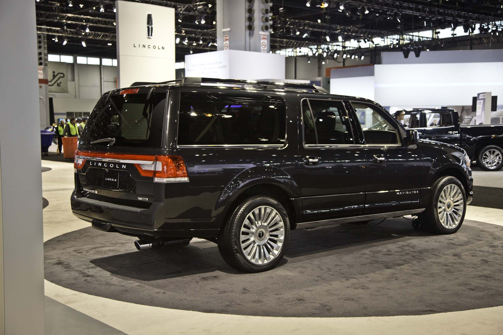 2015 Lincoln Navigator Refreshed with EcoBoost V 6 Automobile Magazine