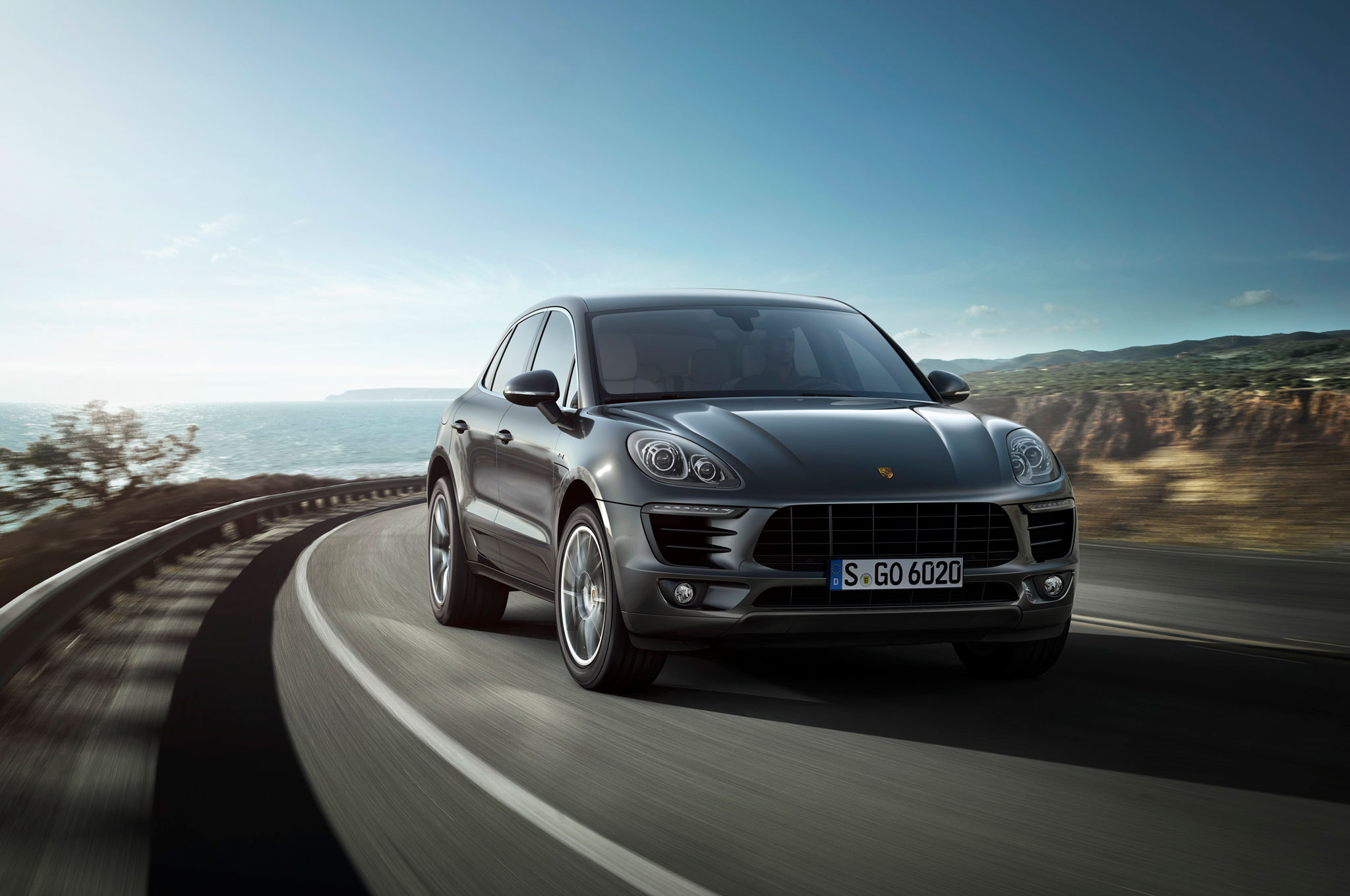 2015 Porsche Macan Front End In Motion 021