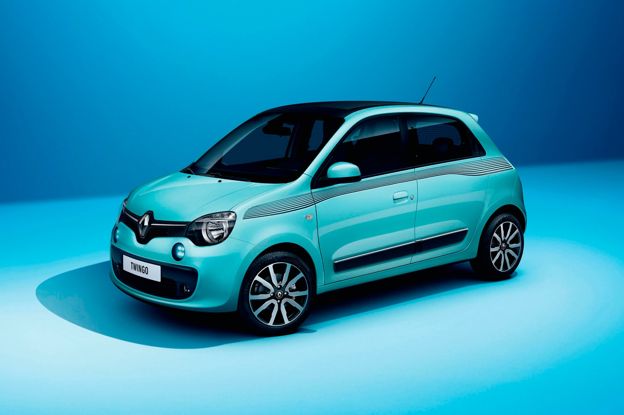 2015 Renault Twingo front three quarters view in teal new smart based renault twingo debuts in geneva automobile magazine renault twingo fuse box diagram at gsmportal.co