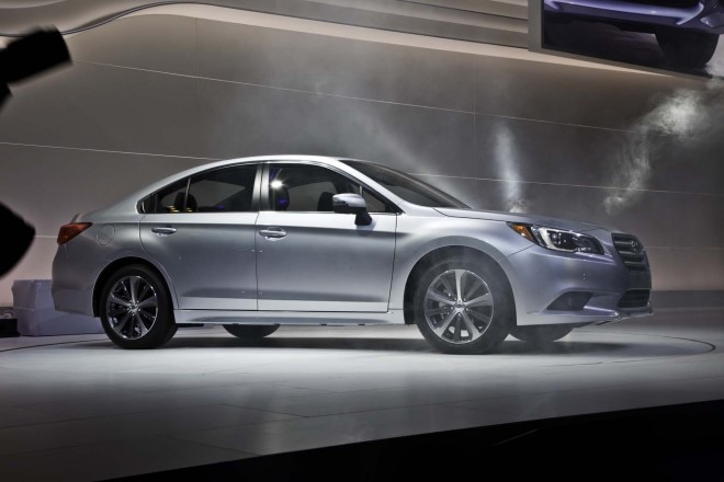 2015 Subaru Legacy Side Profile 660x440