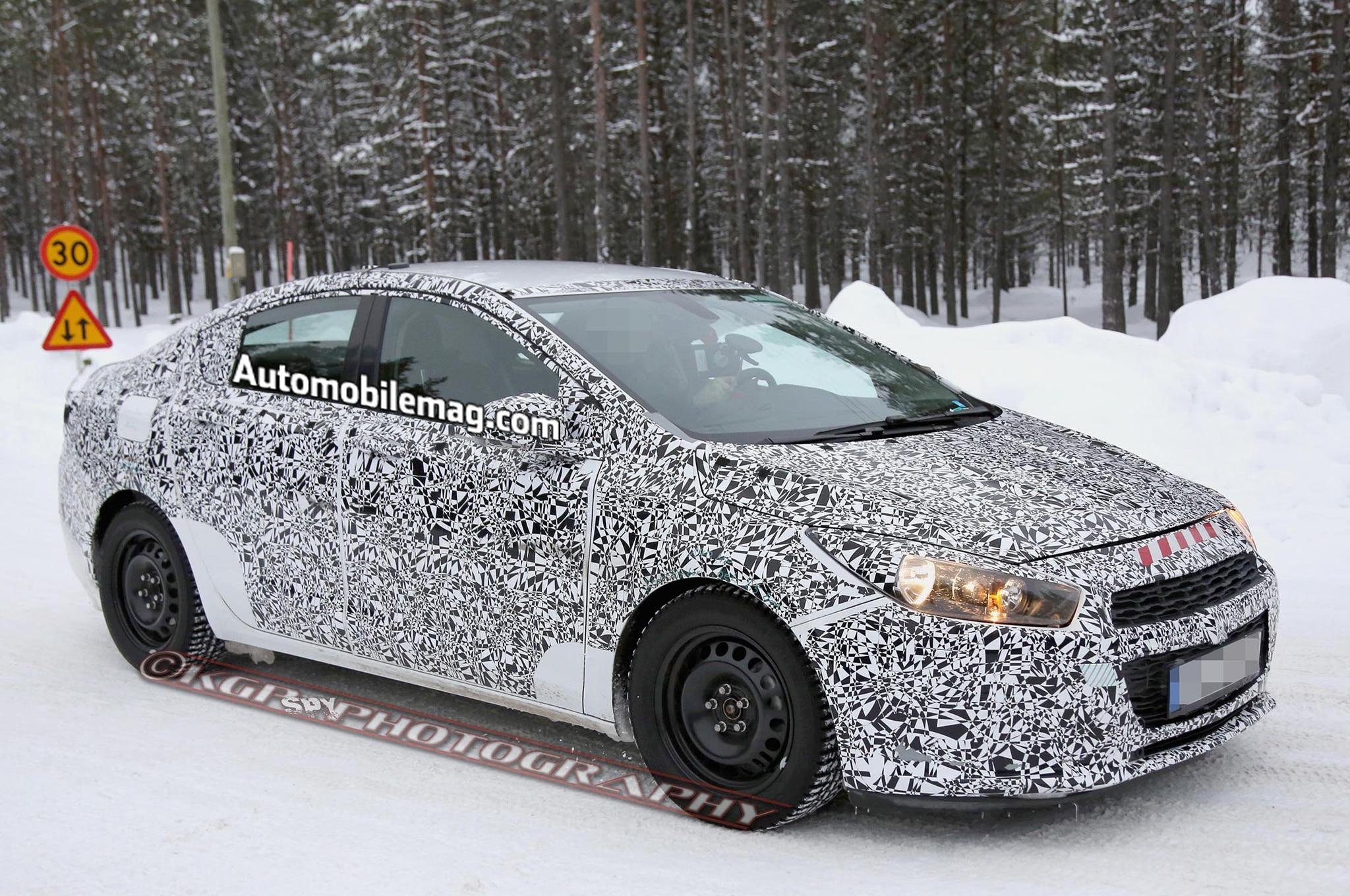 2016 Chevrolet Cruze Spied Front Three Quarter 51