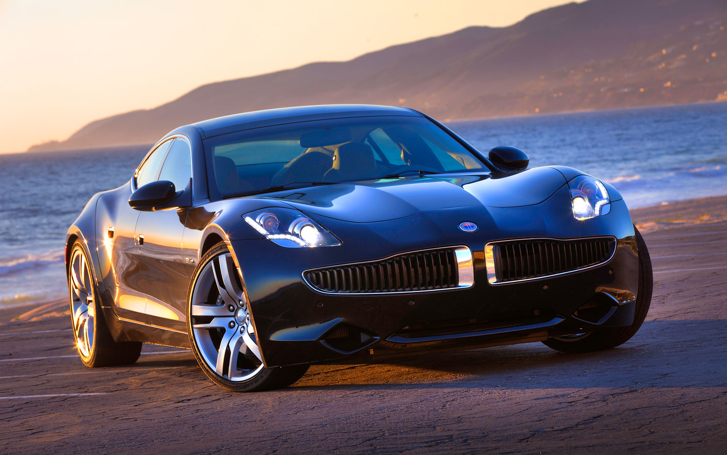 Fisker Karma Black Right Front Angle