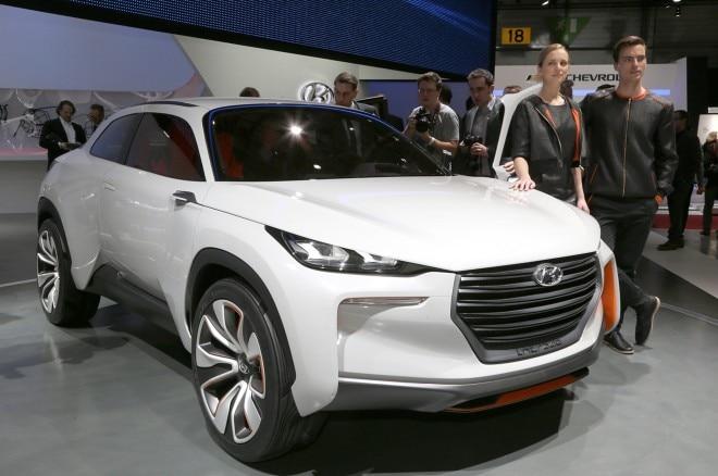 Hyundai Intrado Concept Front Three Quarters1 660x438