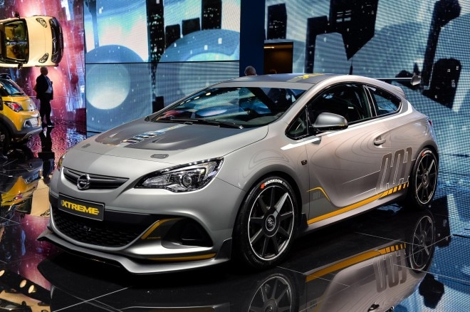 Opel Astra VXR Extreme Front Three Quarter1 660x438