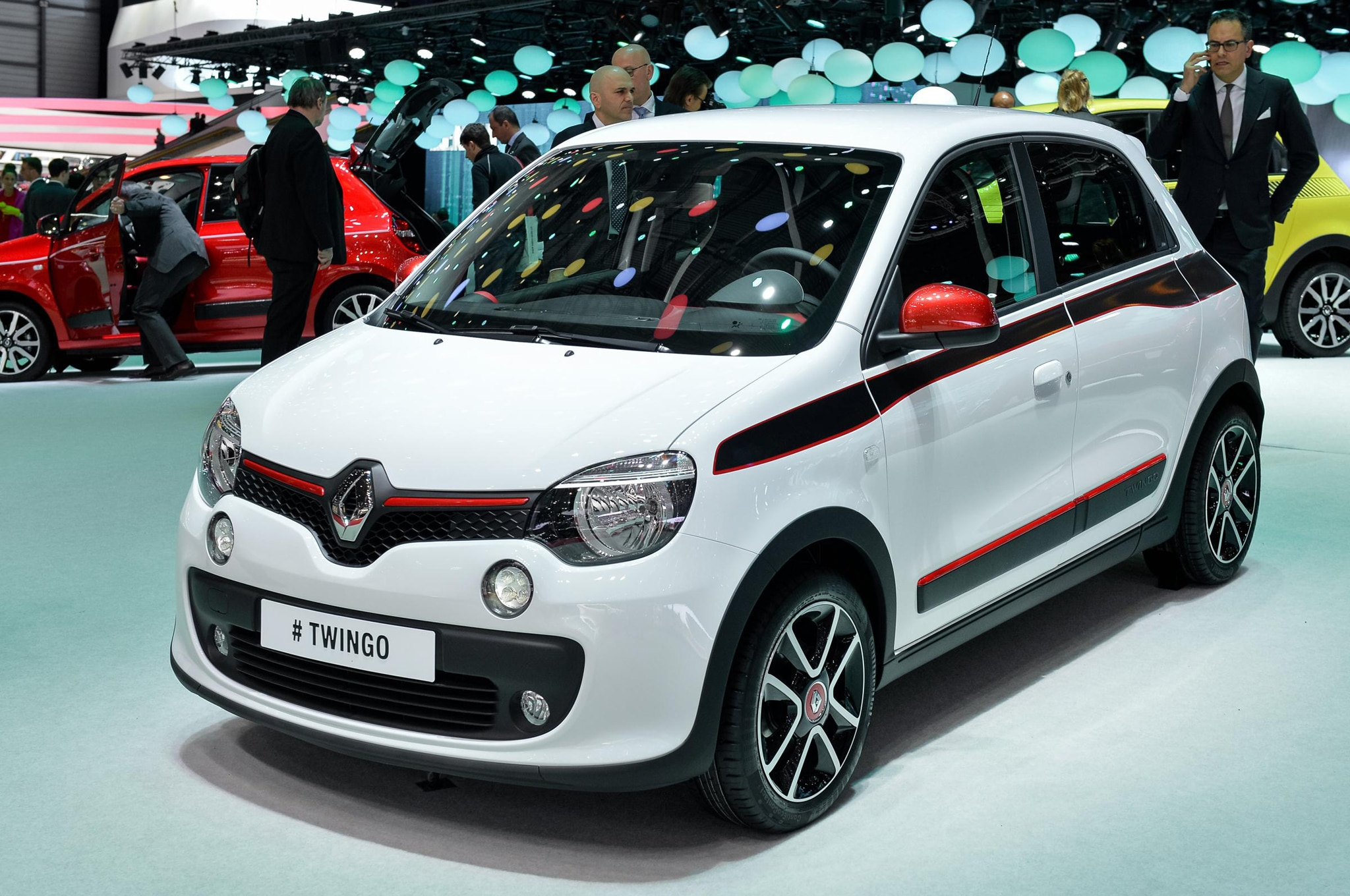 new smart based renault twingo debuts in geneva automobile magazine. Black Bedroom Furniture Sets. Home Design Ideas