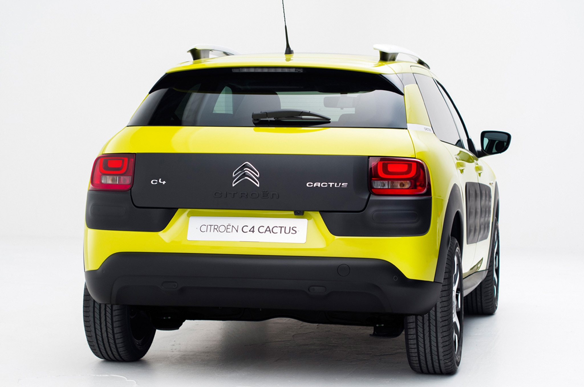 citroen c4 cactus revealed with funky style and technology. Black Bedroom Furniture Sets. Home Design Ideas