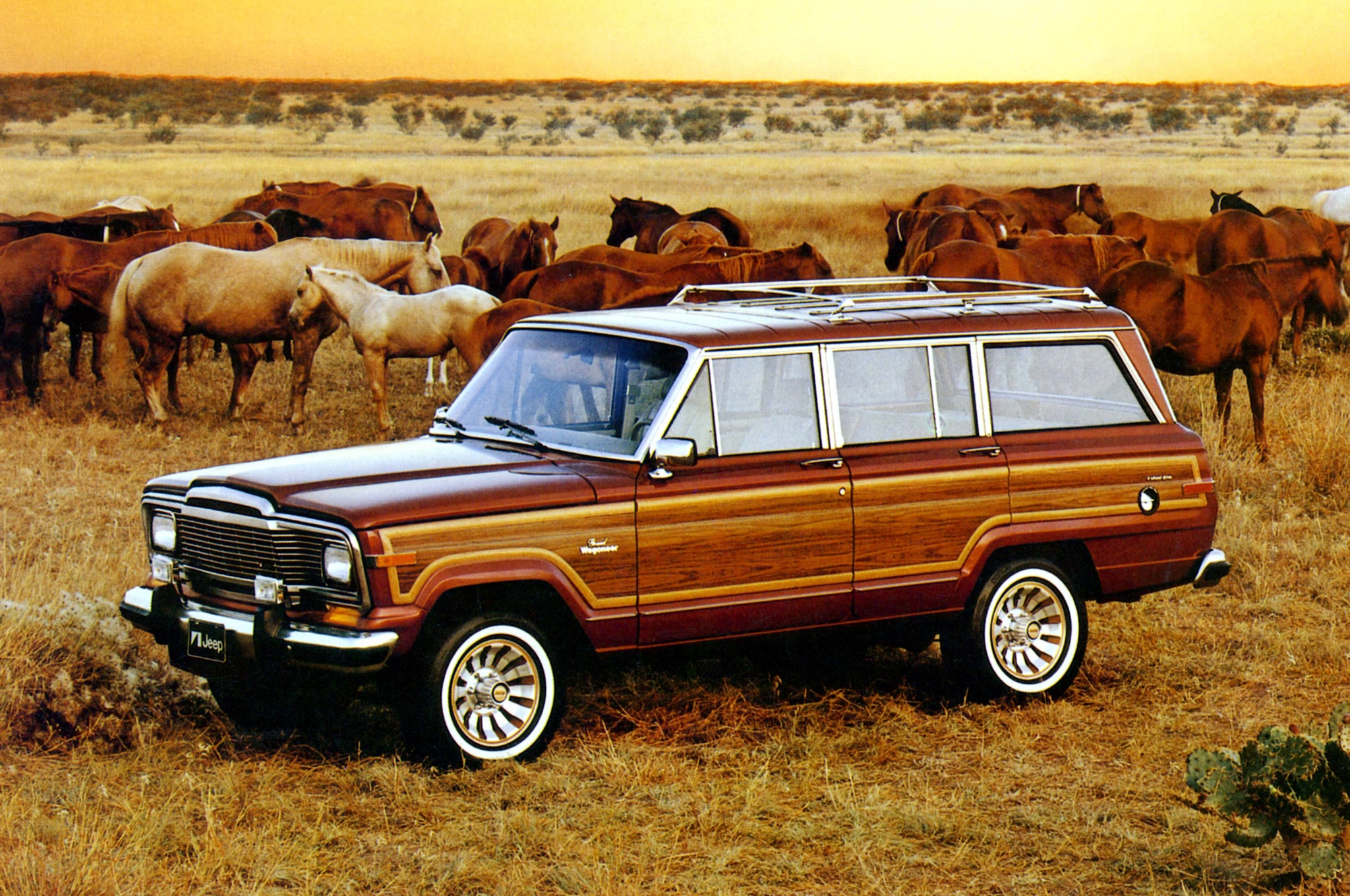 1984 Jeep Grand Wagoneer Front Three Quarter1
