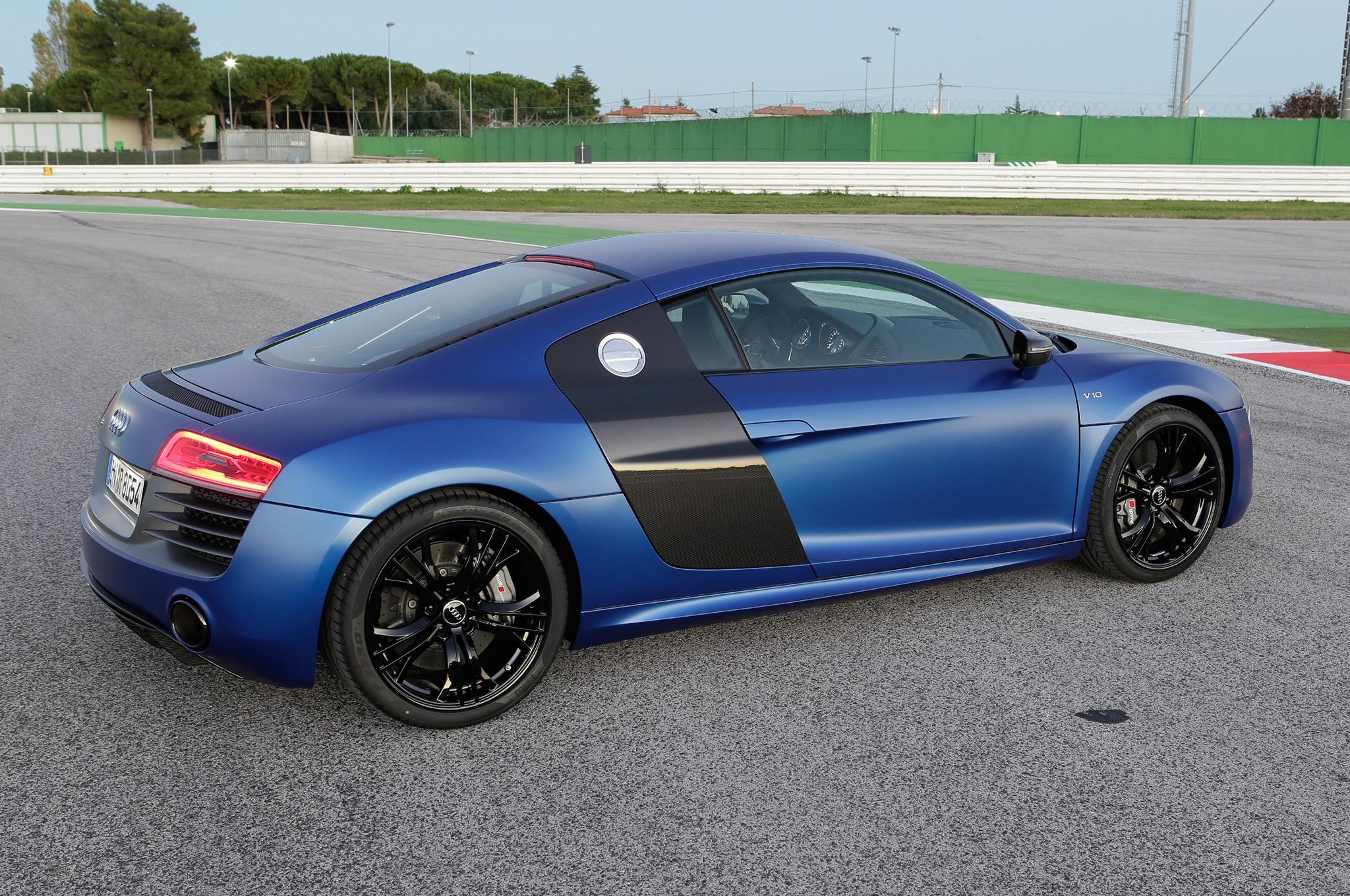 2014 Audi R8 V10 Plus Three Quarters Side View1