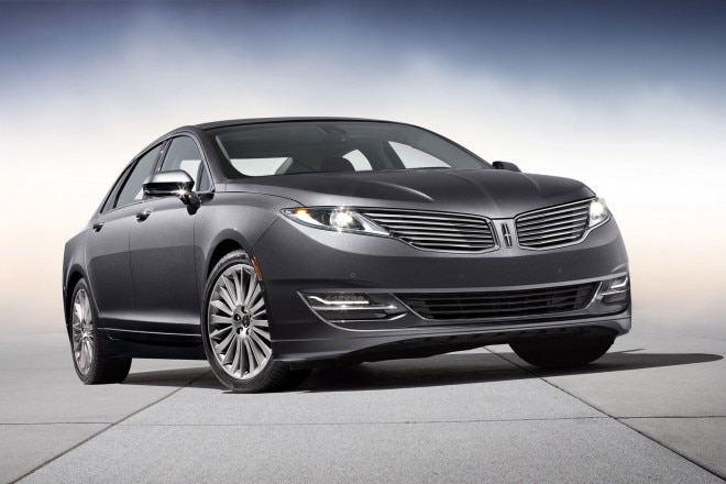 2014 Lincoln MKZ Three Quarters Low1 660x440