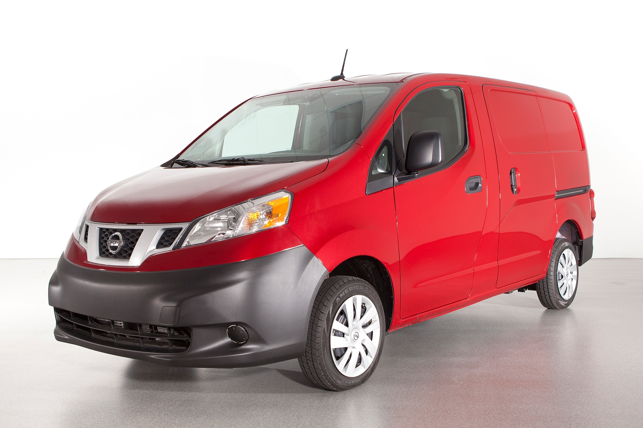 2014 Nissan NV200 Three Quarters View