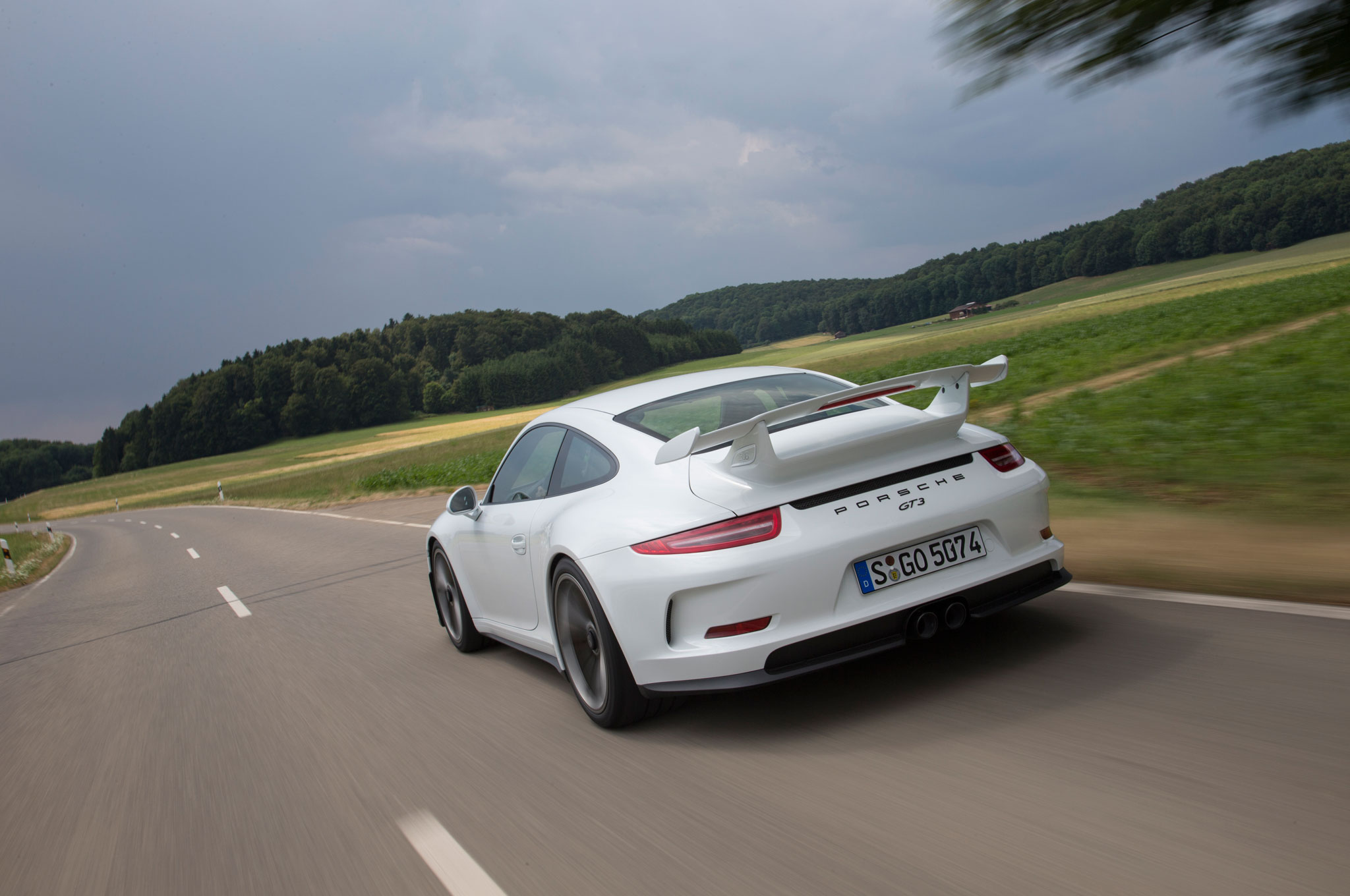 2014 Porsche 911 GT3 Rear Left View1