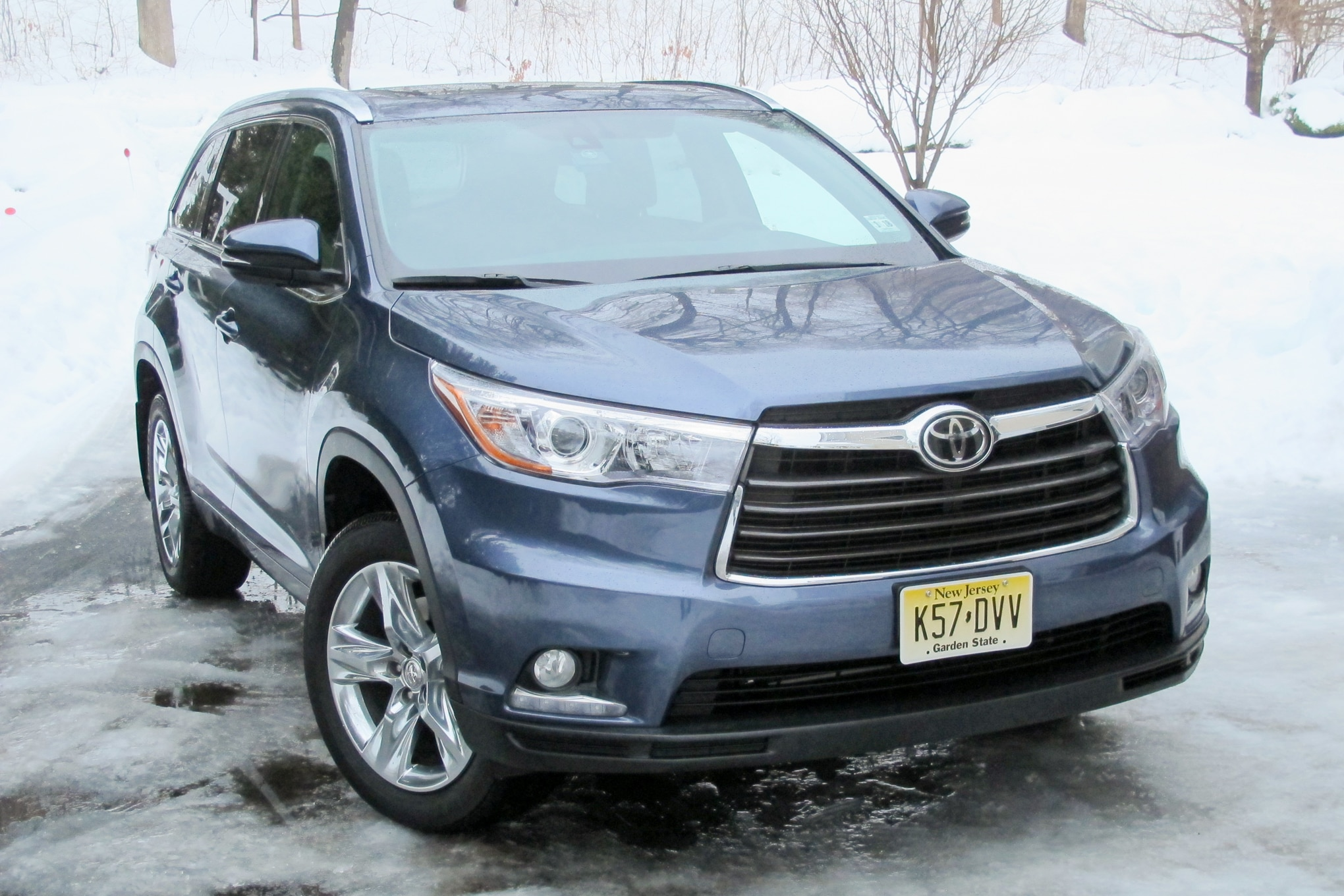 2014 Toyota Highlander Front Three Quarters 11
