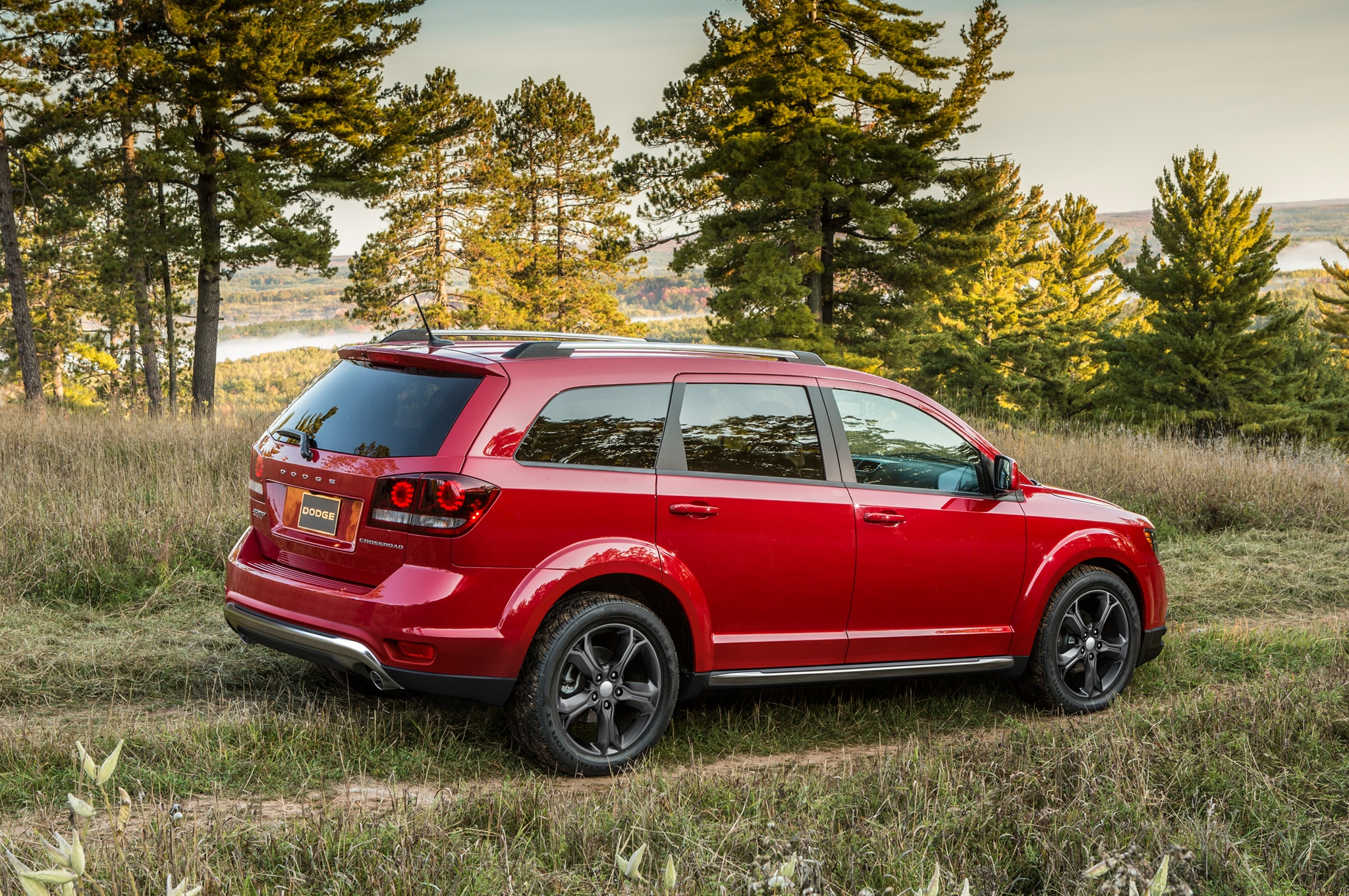 2014 dodge journey se v 6 awd priced at 25 890 automobile magazine. Black Bedroom Furniture Sets. Home Design Ideas