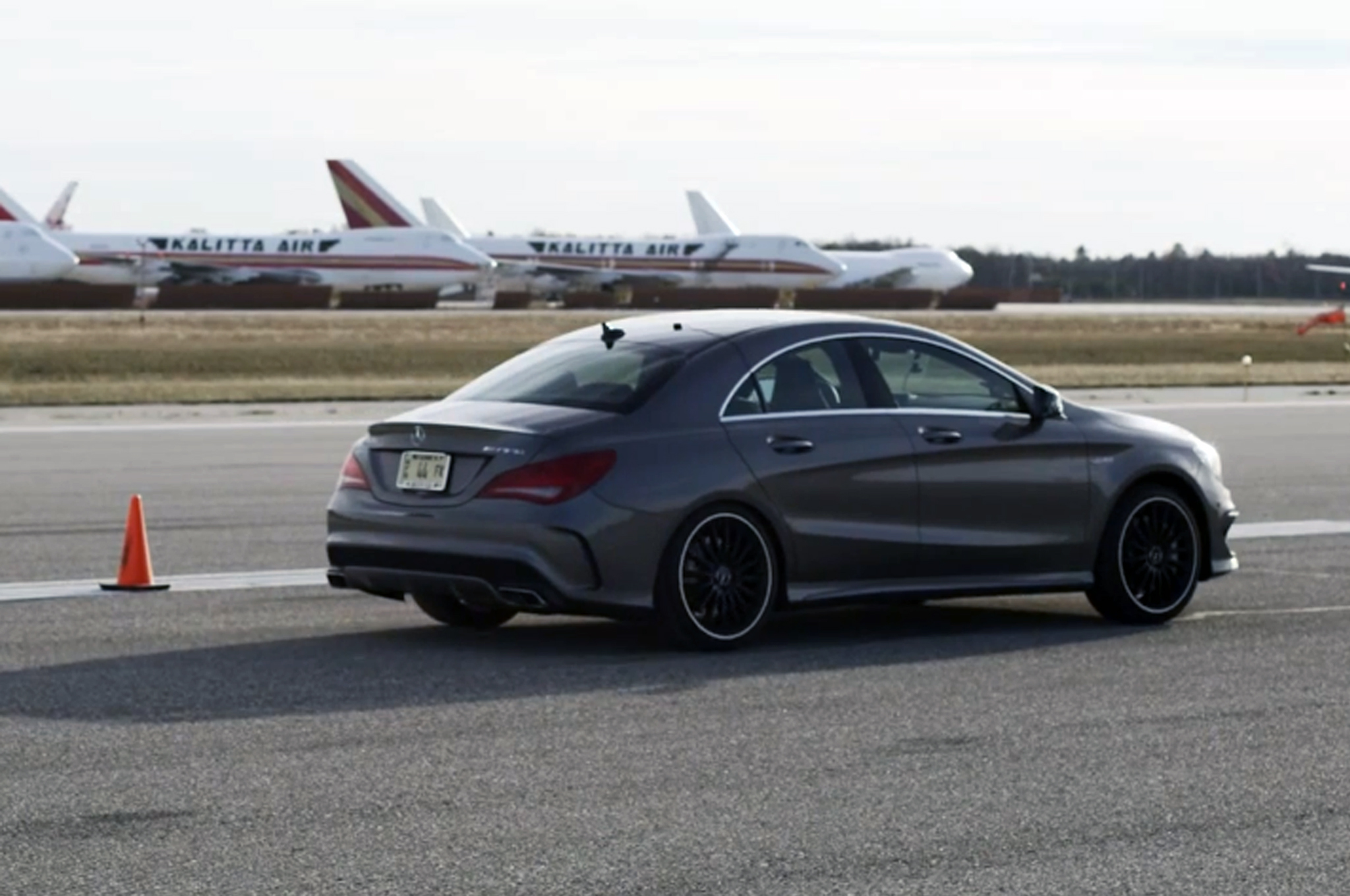 2014 mercedes benz cla45 amg runs the standing mile automobile. Black Bedroom Furniture Sets. Home Design Ideas