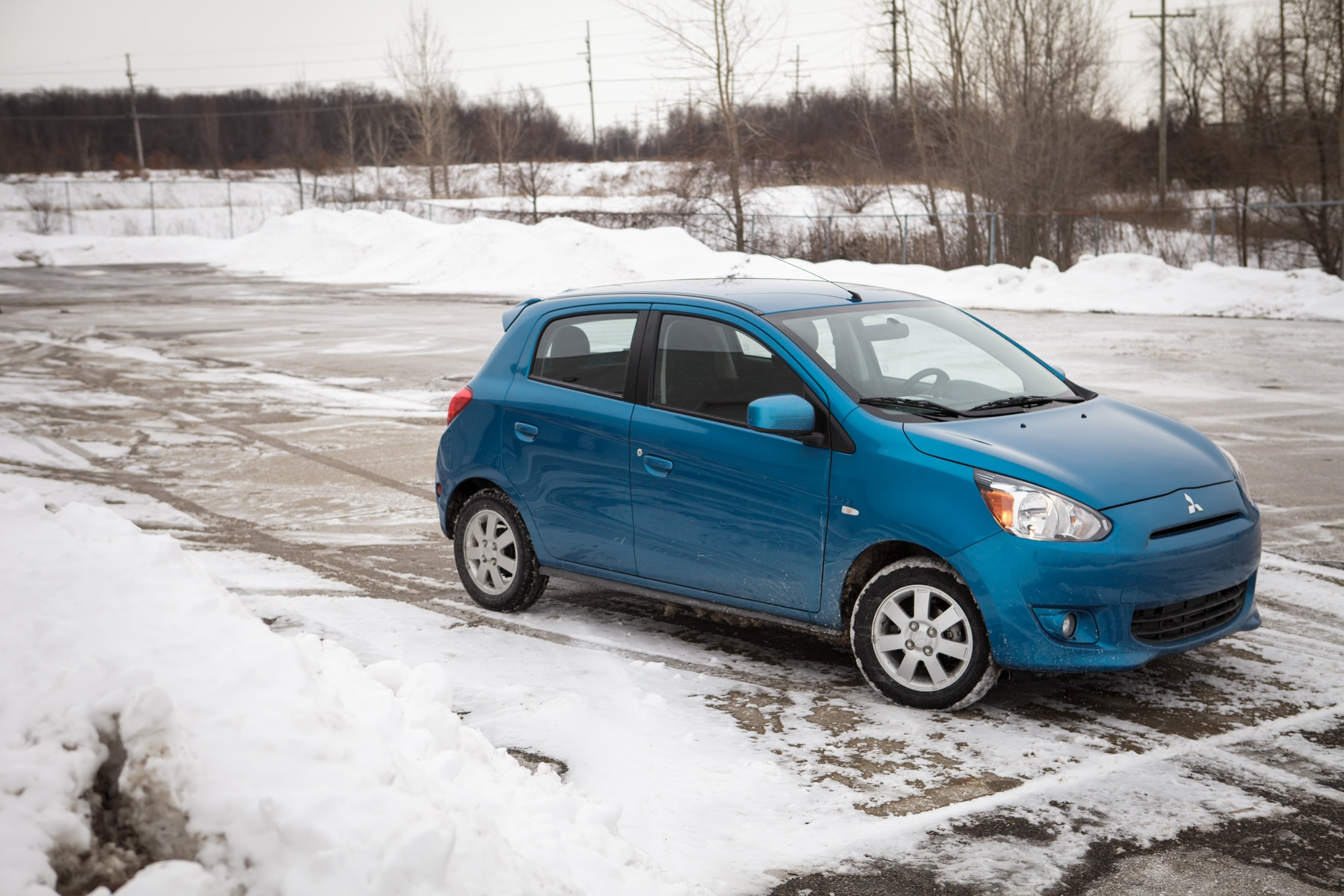 2014 Mitsubishi Mirage Es Cvt Front Three Quarter 191