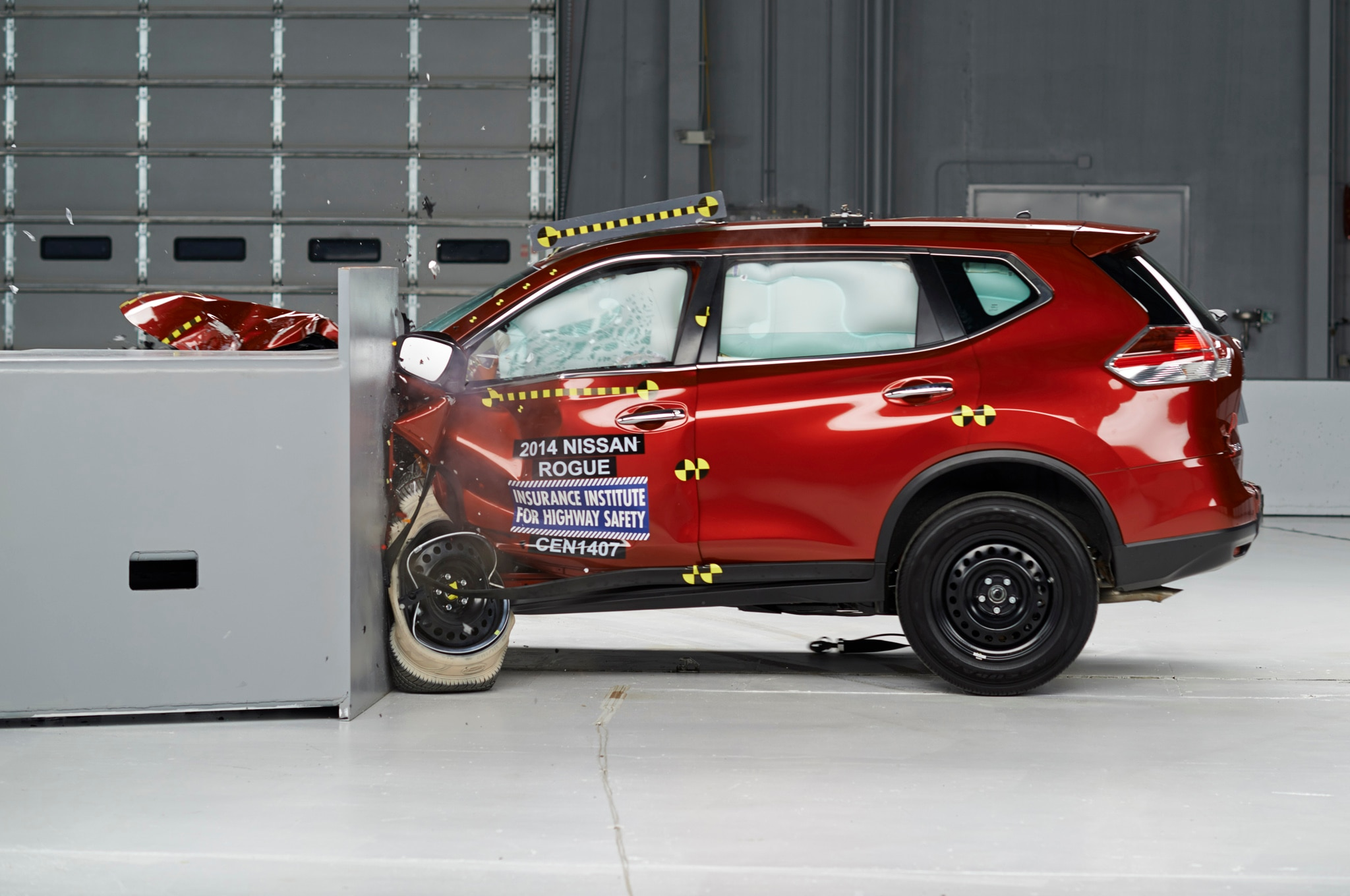 2014 Nissan Rogue Iihs Crash Profile1