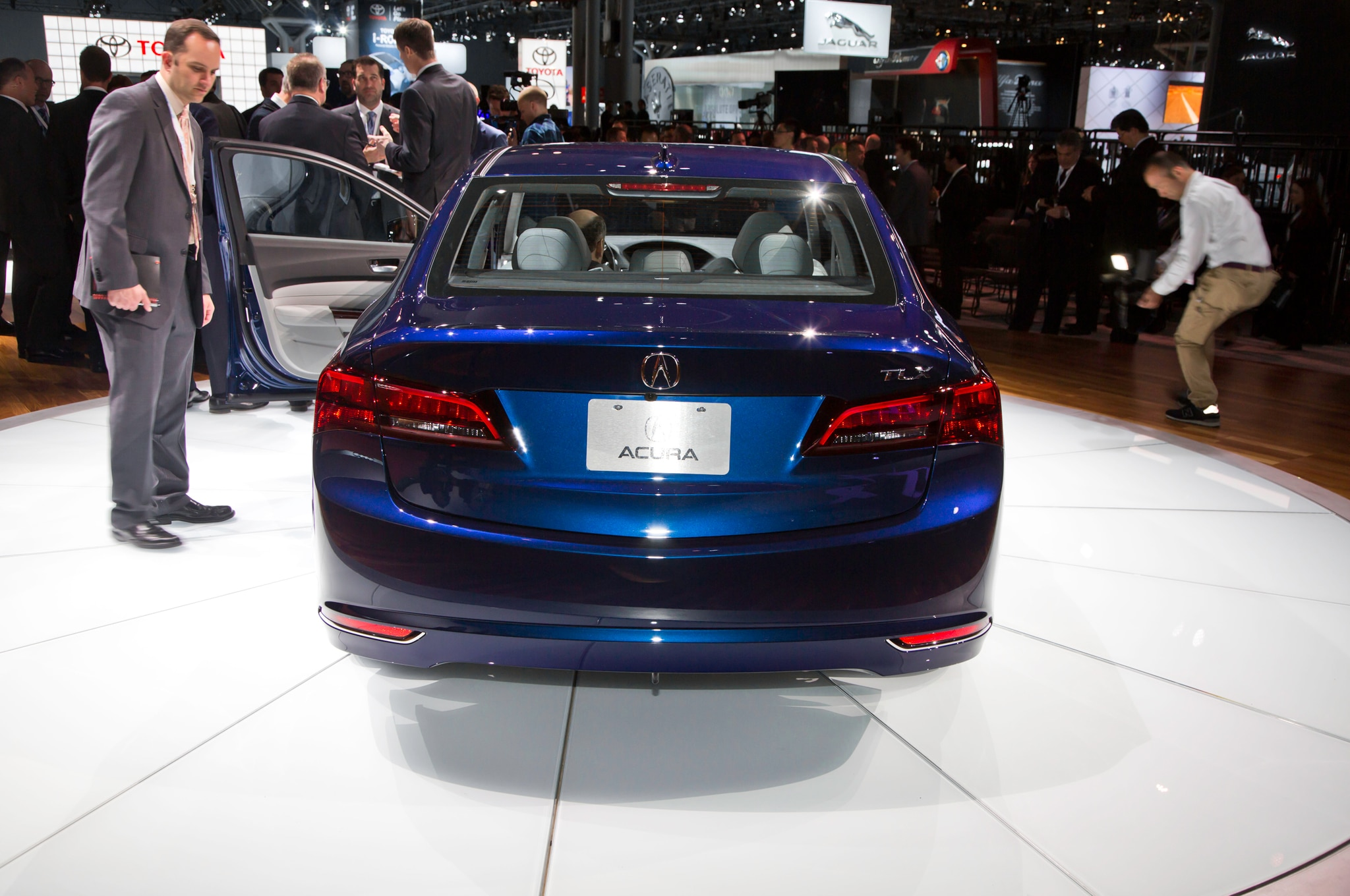 2015 Acura TLX To Officially Debut In New York