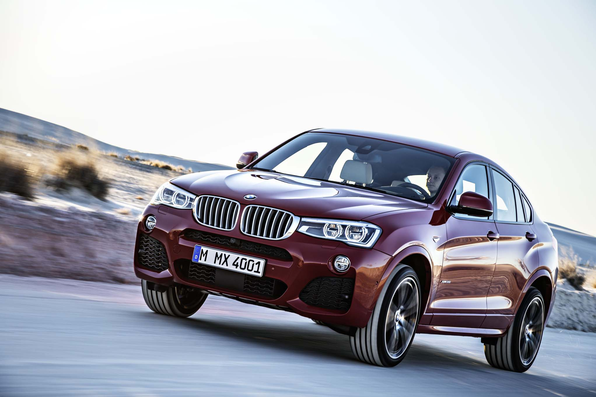 2015 bmw x4 debuts at 2014 new york auto show automobile magazine. Black Bedroom Furniture Sets. Home Design Ideas