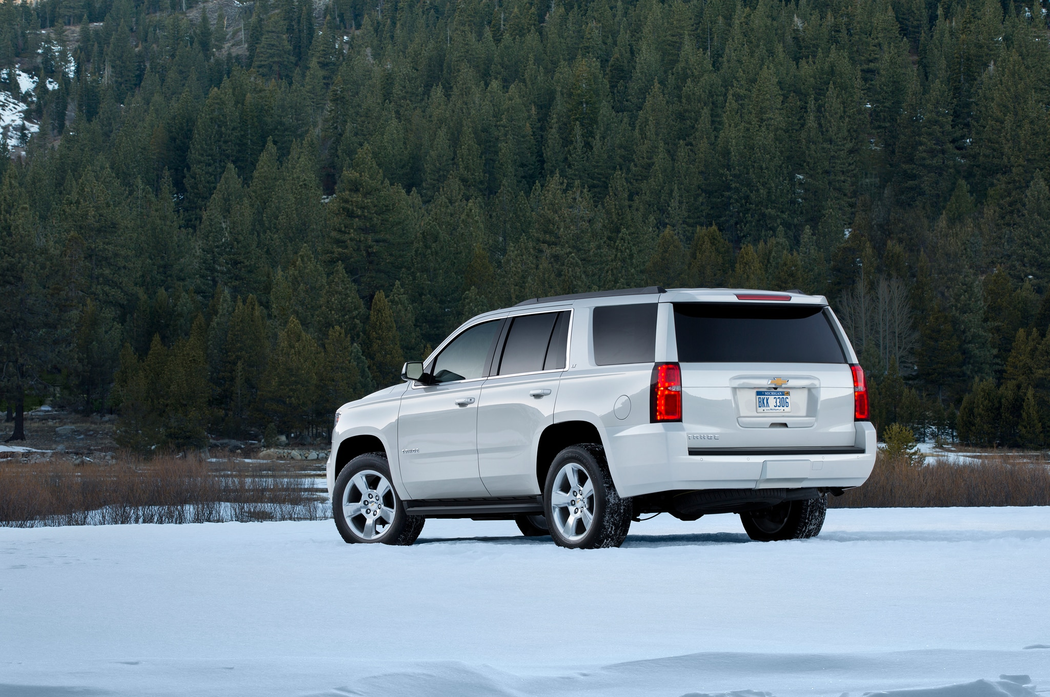 2015 chevrolet tahoe and suburban review automobile magazine. Black Bedroom Furniture Sets. Home Design Ideas