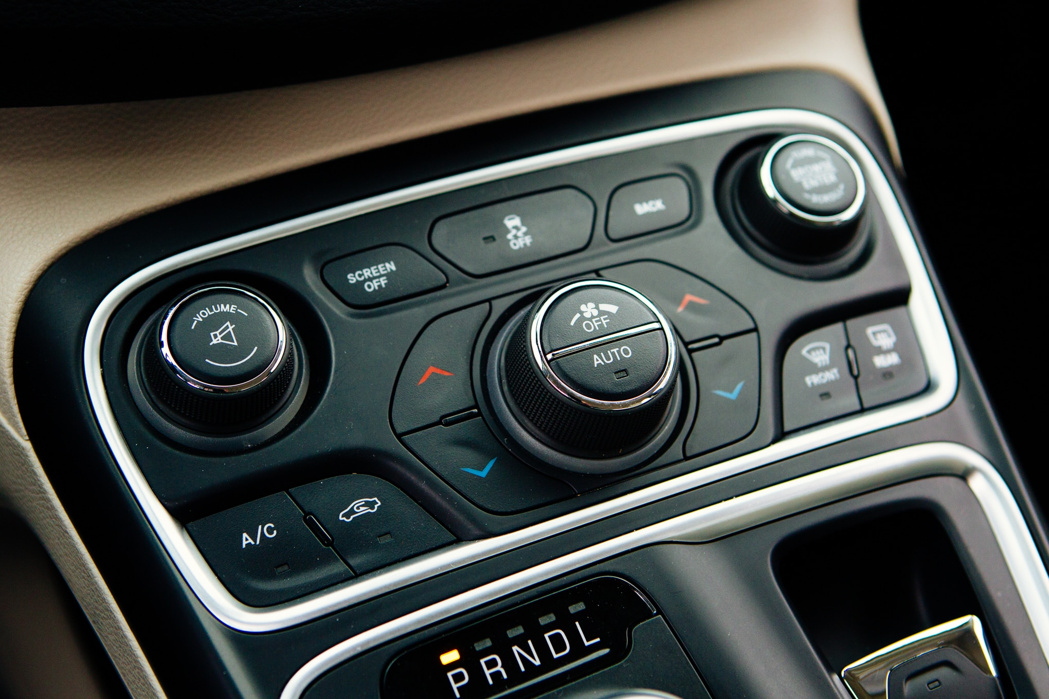 2015 Chrysler 200 Limited vs 2014 Honda Accord EX  Automobile