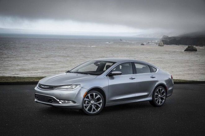 2015 Chrysler 200C Front Three Quarters 021 660x440