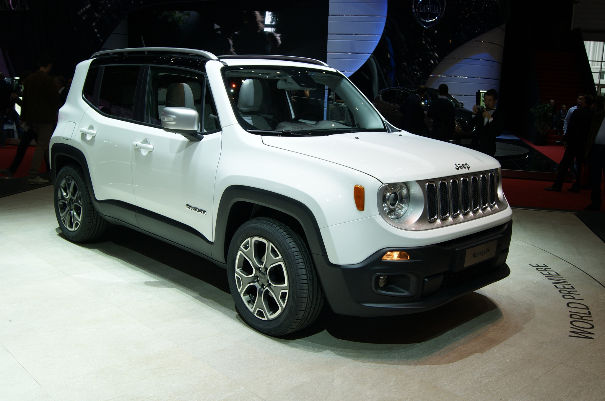 2015 Jeep Renegade Limited Show Floor On Stand1