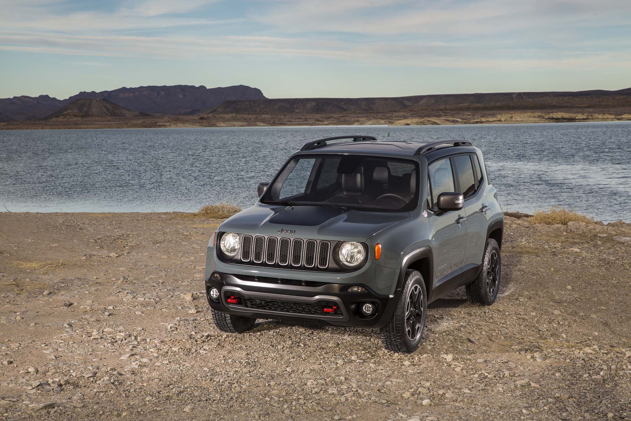 2015 jeep renegade debuts in geneva automobile magazine. Black Bedroom Furniture Sets. Home Design Ideas