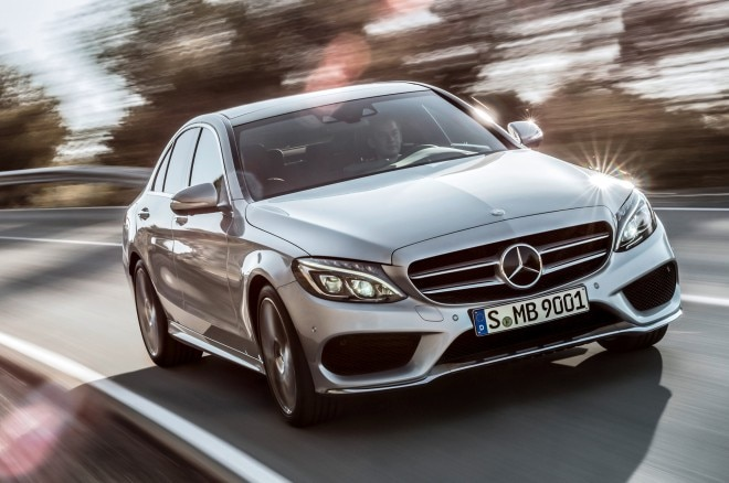 2015 Mercedes Benz C Class Front Three Quarters In Motion2 660x438