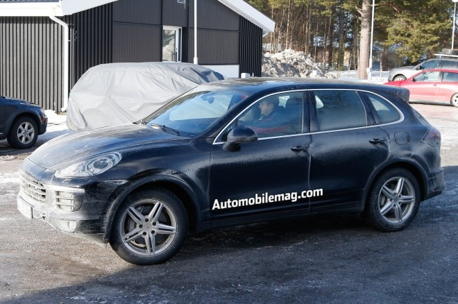 2015 Porsche Cayenne Plug In Hybrid Spied Front Three Quarter 21 660x438