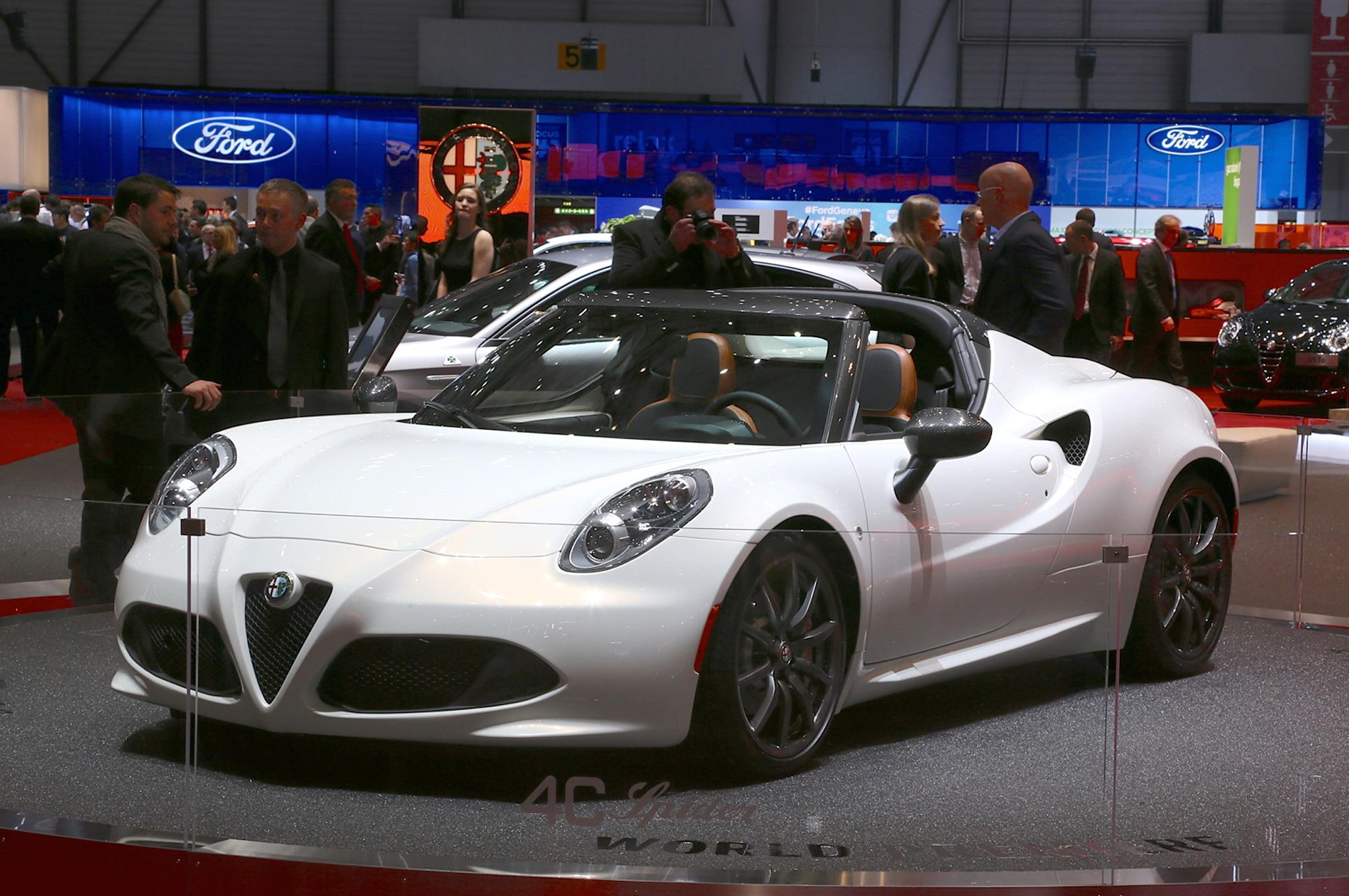 Alfa Romeo 4C Spider Concept Front Three Quarter 021