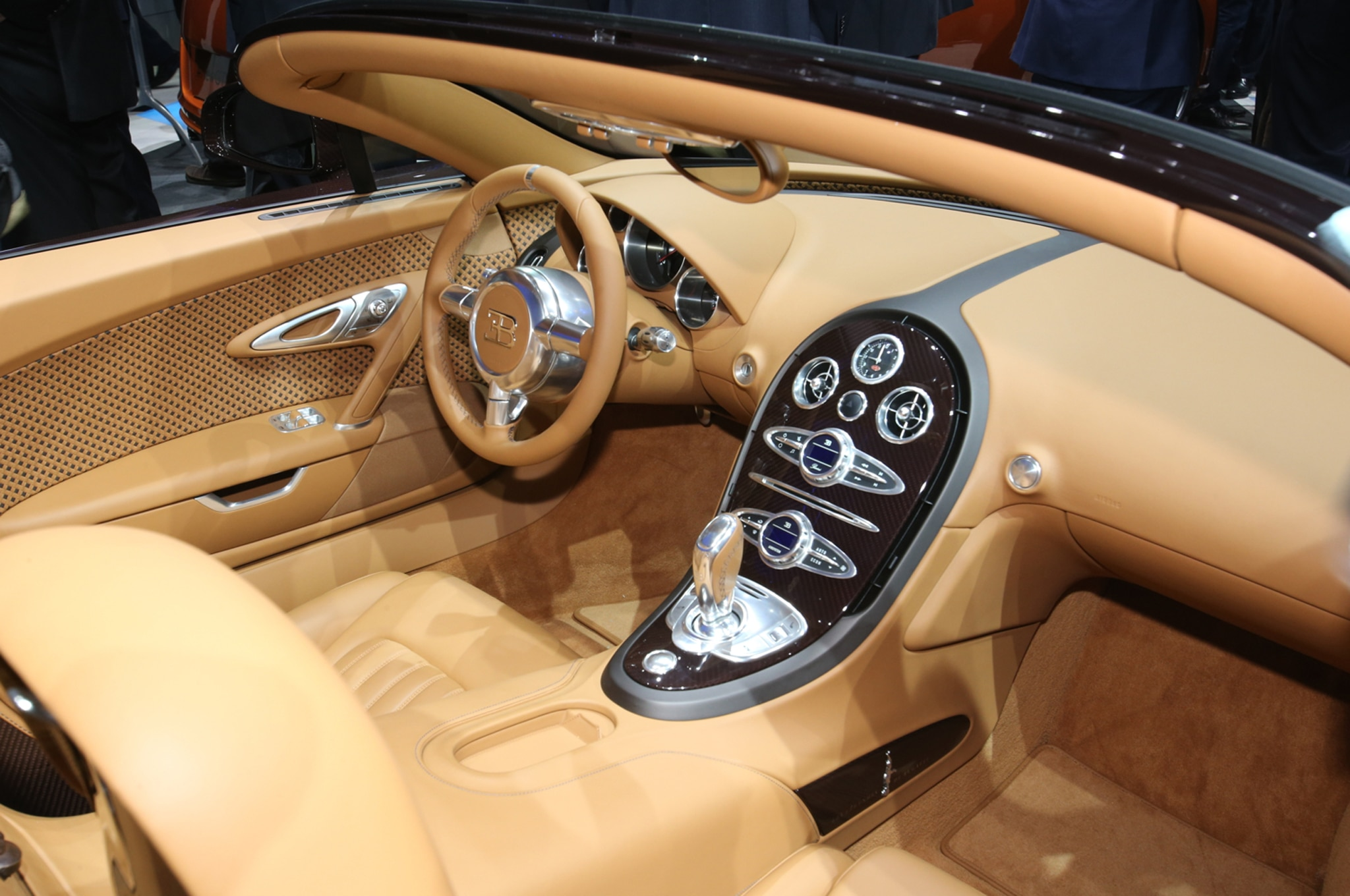 Bugatti-Veyron-Grand-Sport-Vitesse-Legends-Rembrandt-interior Terrific Bugatti Veyron Grand Sport Vitesse Gold Cars Trend