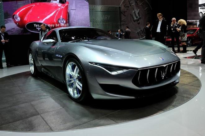 Maserati Alfieri Concept Front Three Quarters View Live 660x438