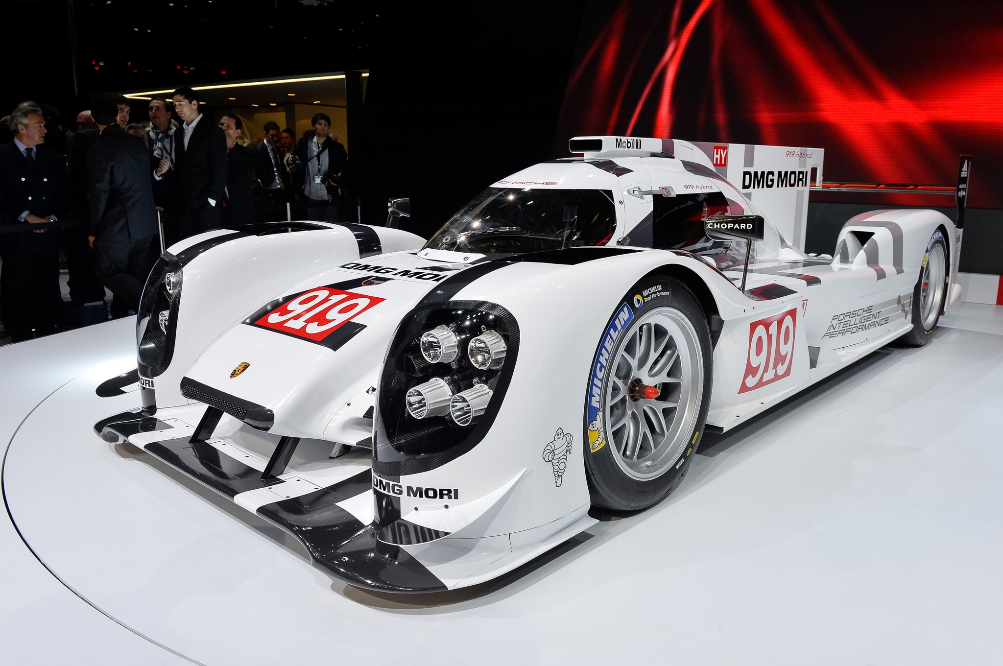 Porsche 919 Hybrid Show Floor Front Side View1