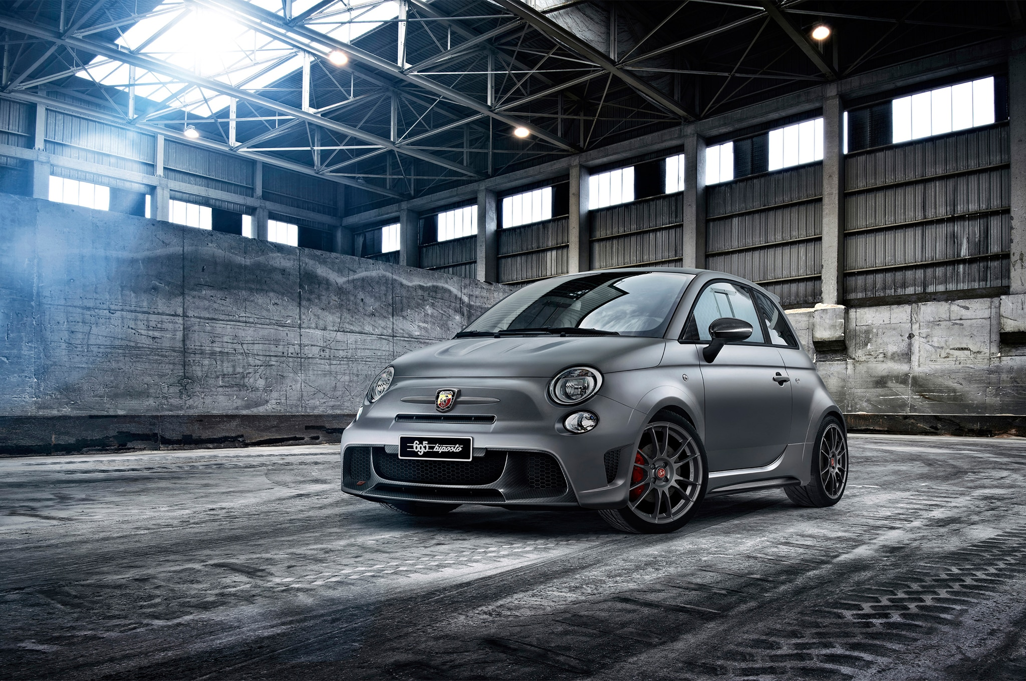 Abarth 695 Biposto Front Three Quarters1