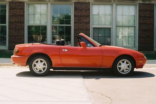 1993 Mazda Miata Profile1 660x438
