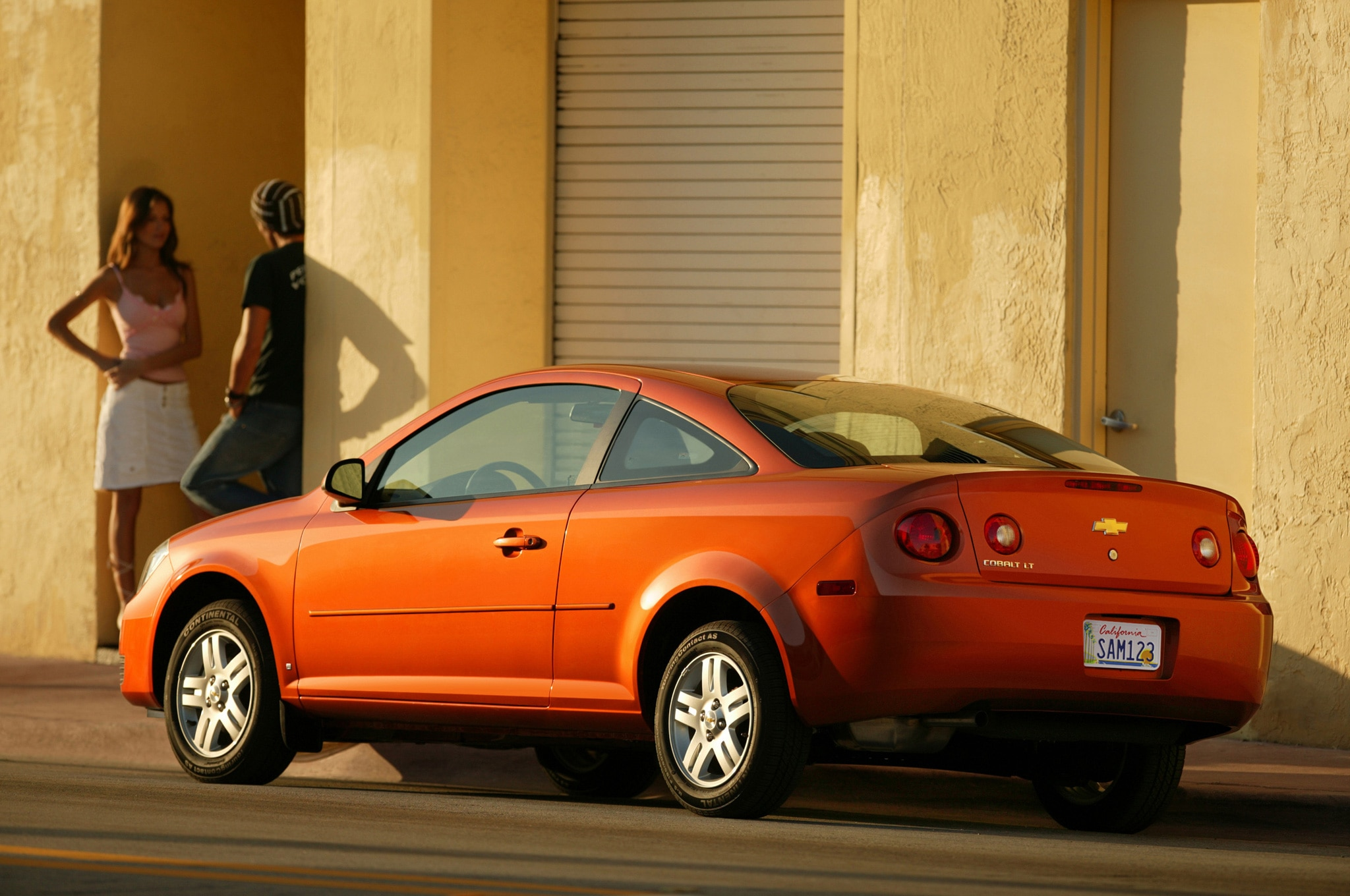 2007 Chevrolet Cobalt Coupe Rear Side View4