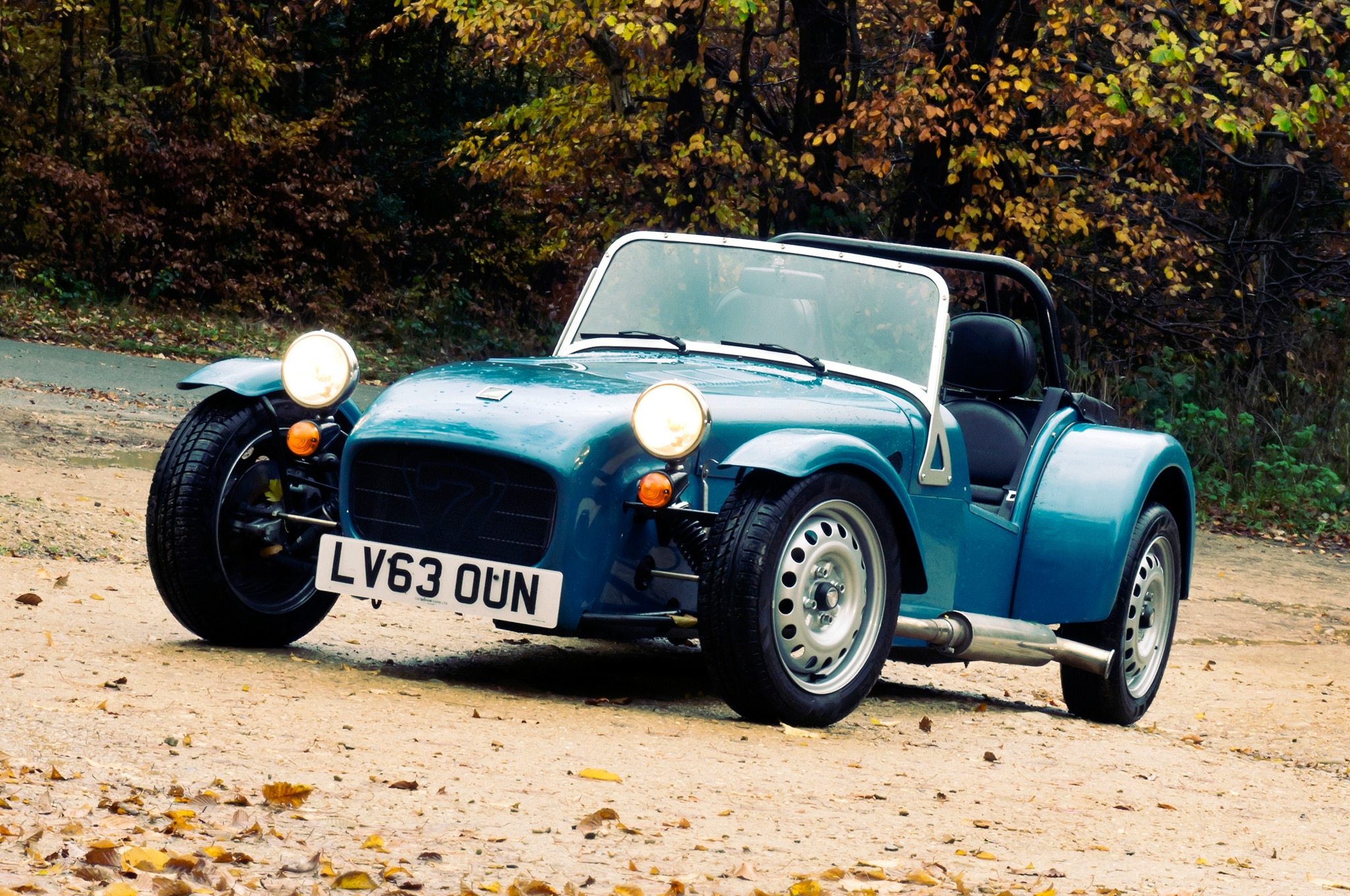 2014 Caterham Seven 160 Front Three Quarters View1