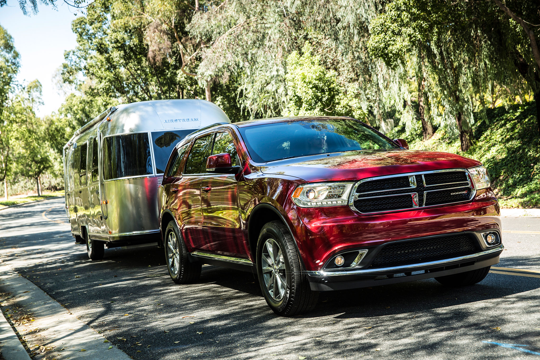 2014 Dodge Durango Limited Front View In Motion Trailer1