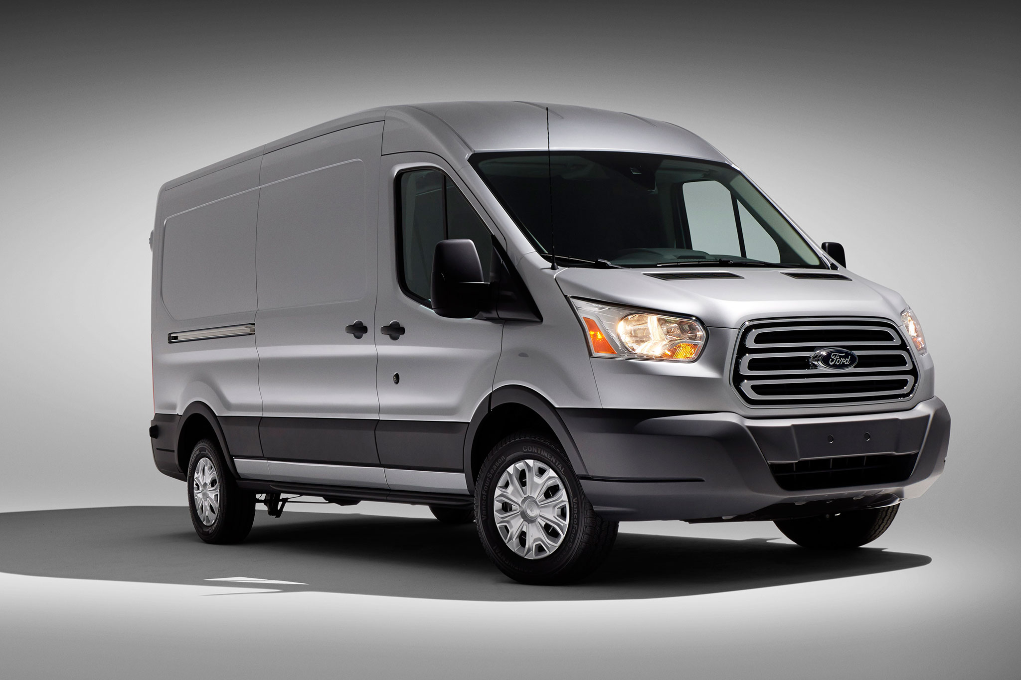2014 Ford Transit Three Quarters View1
