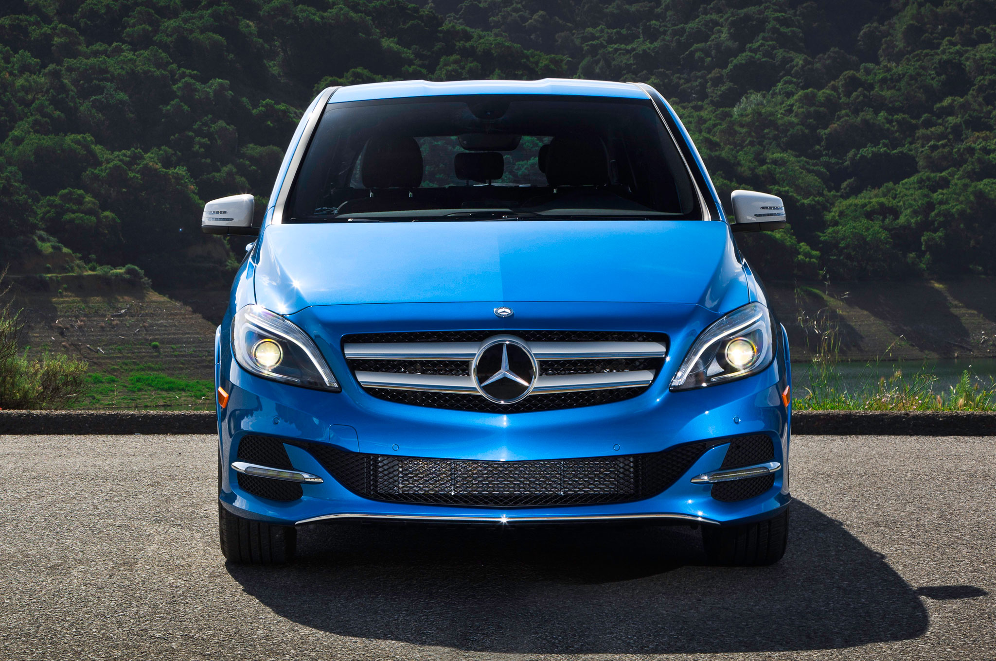 2014 mercedes benz b class electric drive costs 42 375 automobile. Black Bedroom Furniture Sets. Home Design Ideas