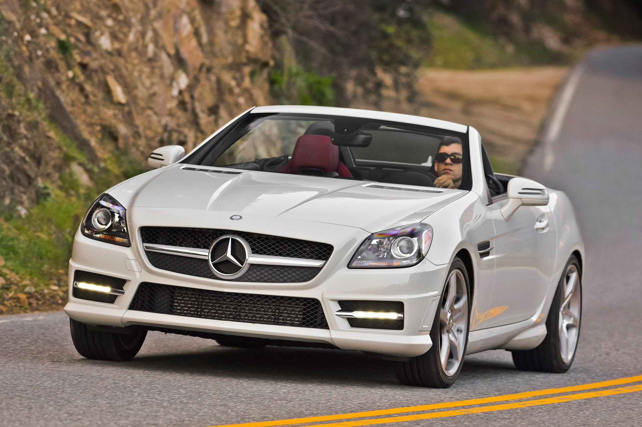 next mercedes benz sl loses weight gains a ragtop. Black Bedroom Furniture Sets. Home Design Ideas