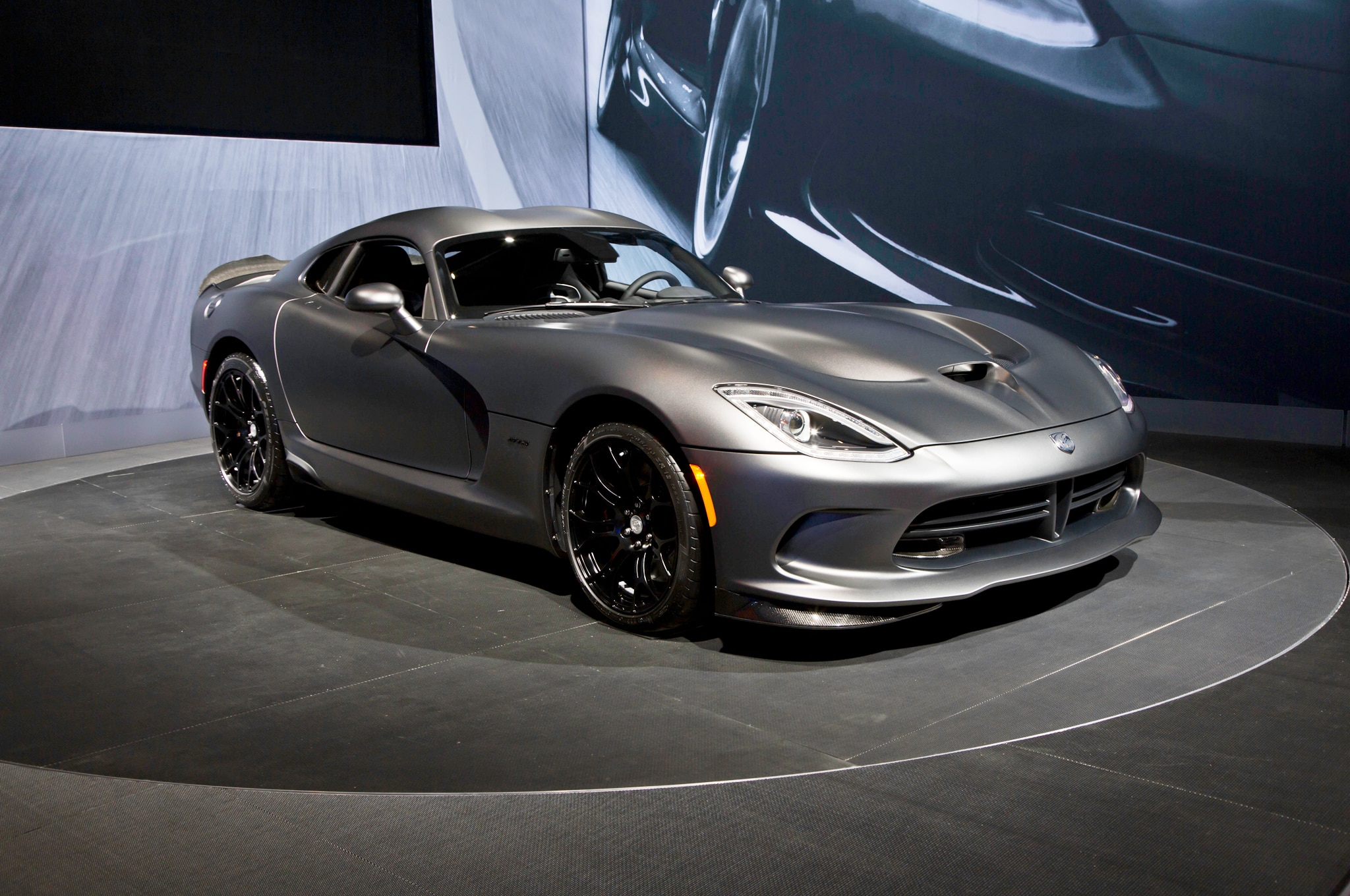 2014 SRT Viper Anodized Carbon Time Attack Front Three Quarter1