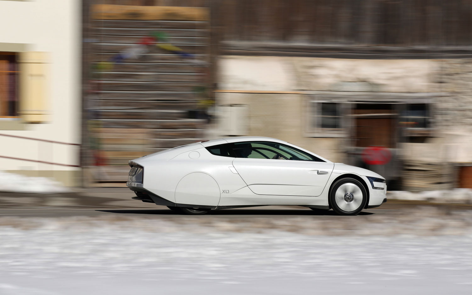 2014 Volkswagen XL1 Right Side View 21