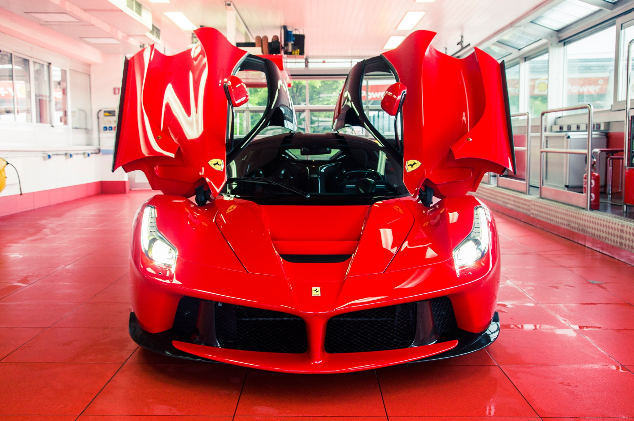 Efficiency of performance & Ferrari LaFerrari Review - Automobile Magazine pezcame.com